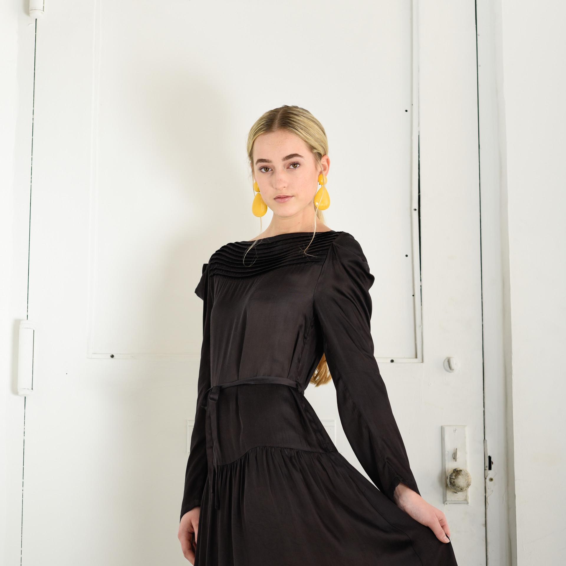 The Saffra dress in Black