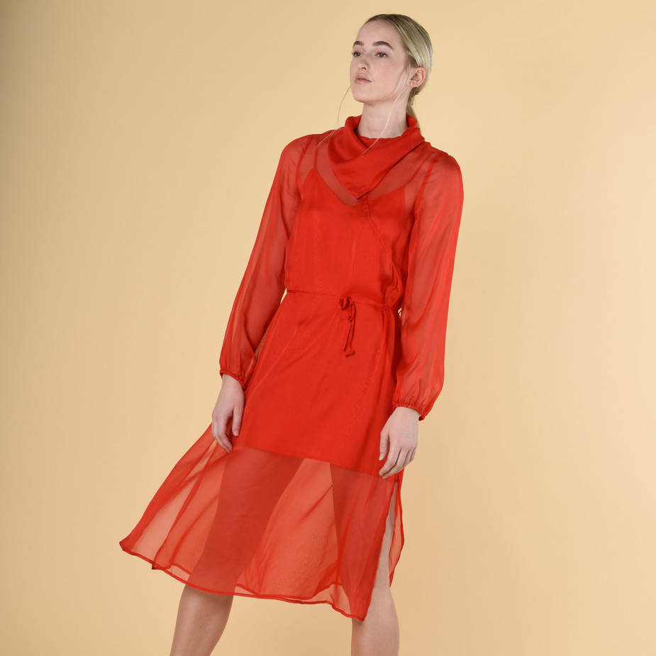 The Merkel dress in Lava Red