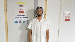 הכירו את פועל הבניין שעבר לטפל בחולי קורונה בבית האבות