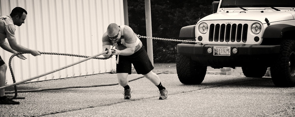 Man pulling Jeep | Strongman Athlete