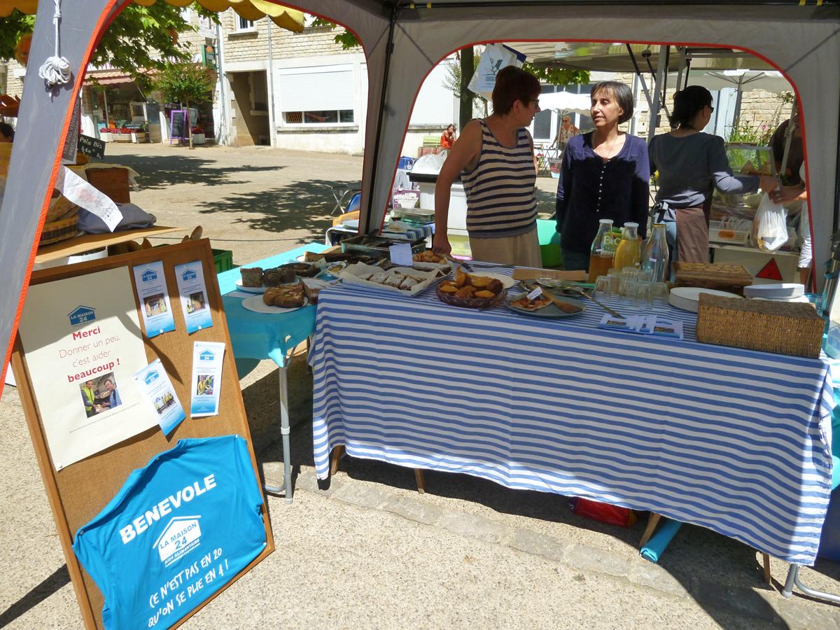 Vente de gâteaux à Rouffignac