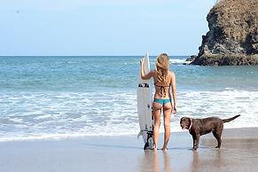 travel-writer-surf-instincts.jpg
