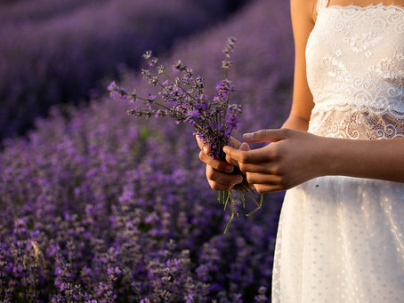 Four Fantastic Smelling Essential Oils to Freshen Up Your Quarantine Hair