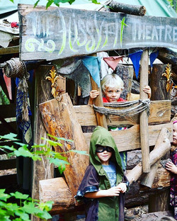A theatre of Hissy Fits!