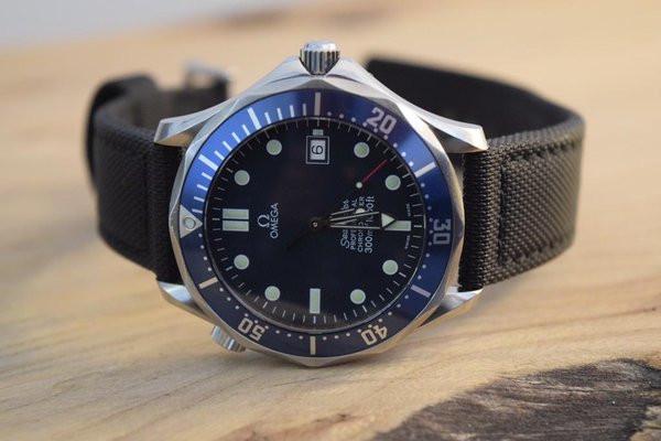 "Modern Vintage: Omega Seamaster Professional 2531.80 ""Bond"" Watch"