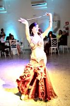 Dançarina na festa Gala Dinner AMLB