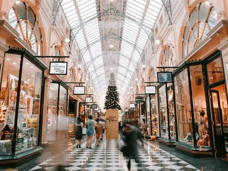 Reciclando a moda: Ótimos motivos para você comprar em brechós de luxo