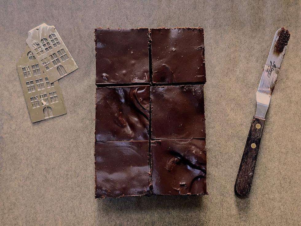 sachertorte brownie edit 2.jpg