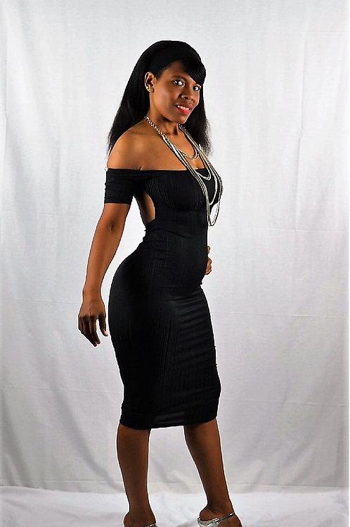 BACKLESS BLACK DRESS
