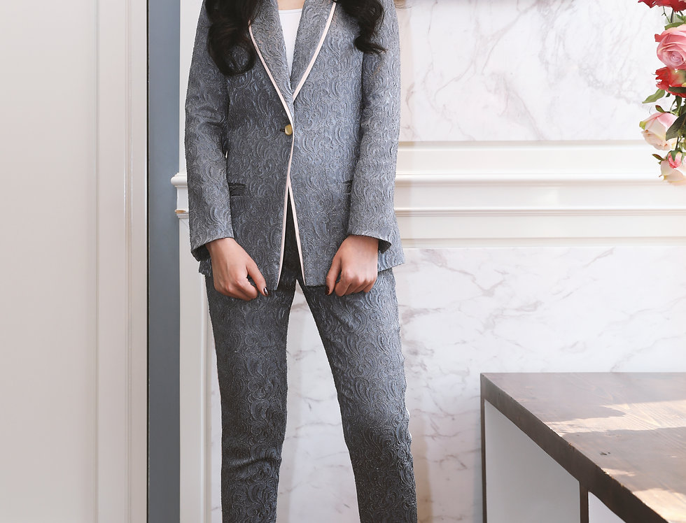 Grey Jacquard suitwith stripe