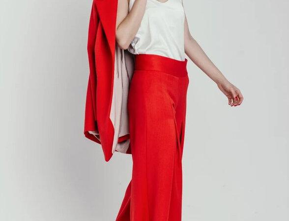Красные широкие брюки