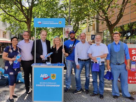 Wahlkampfstand in Steglitz-Zehlendorf