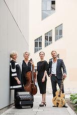 Weimar_Ensemble_&_Nafja_Robiné_2_klein_(