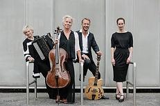 Weimar_Ensemble_&_Nafja_Robiné_1_-_klein