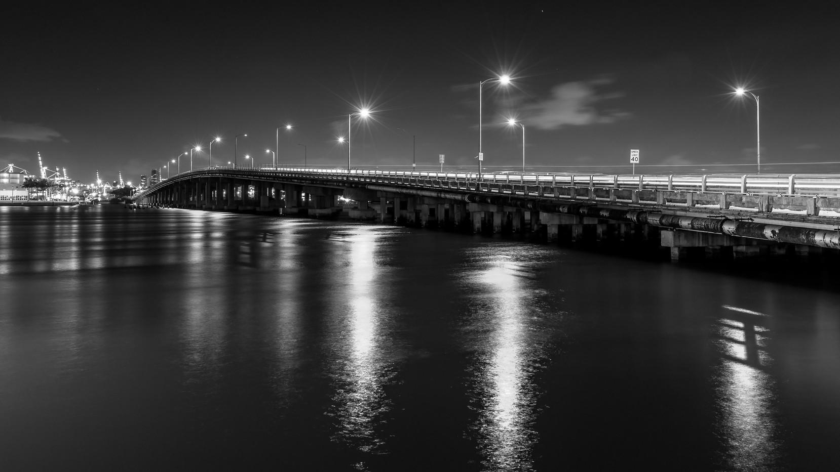 MacArtur Causeway Bridge