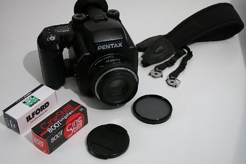 PENTAX 645 NII Medium format Auto Focus camera with smc Pentax - FA 75mm 2.8 len