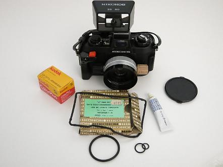 NIKONOS IV-A Underwater Film camera 35mm 2.5 W NIKKOR lens in Excellent Cond.