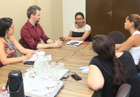 Vereadores levam projeto de 'mosquitoeira' para secretária de Educação