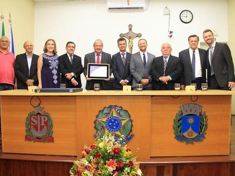 João Bernal recebe Diploma de Honra ao Mérito na Câmara Municipal