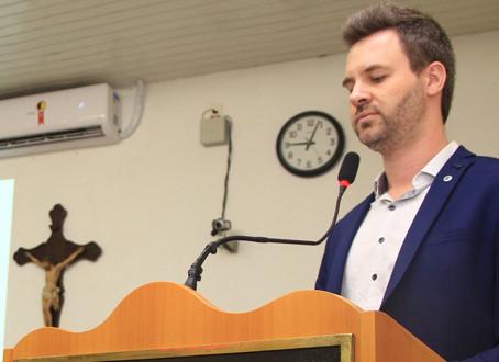 Vereador defende direito de artistas e músicos brasileiros na Sessão Ordinária