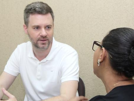 Vereador leva demandas de CERs à secretária da Educação