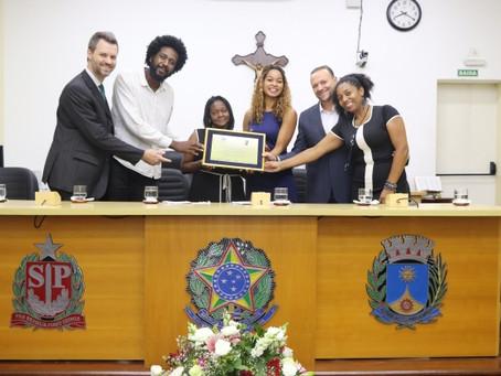 Amor e dedicação: Maria José Ferreira Gregório recebe Prêmio Zumbi