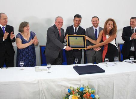 Damiano Neto recebe Título de Cidadão Araraquarense