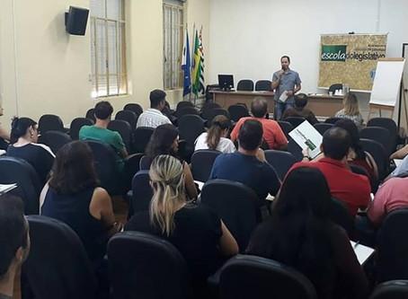 Vereador realiza abertura de curso da Escola do Legislativo