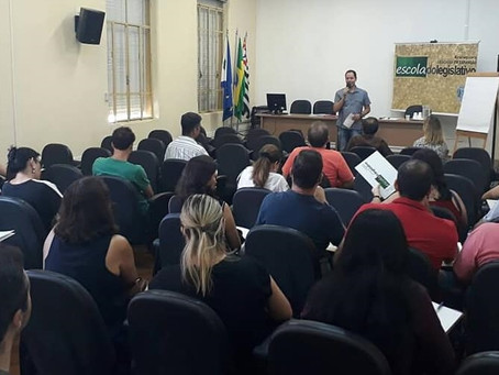 Vereador realiza abertura de curso da Escola do Legislativo
