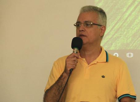 Orson Carrara realiza palestra motivadora para funcionários da Câmara