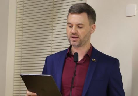 'Os terrenos da Prefeitura também serão multados?', pergunta vereador sobre o combate à dengue