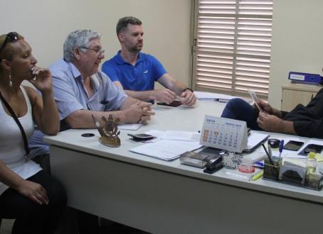 Moradores do Cociza levam reclamações à CDHU