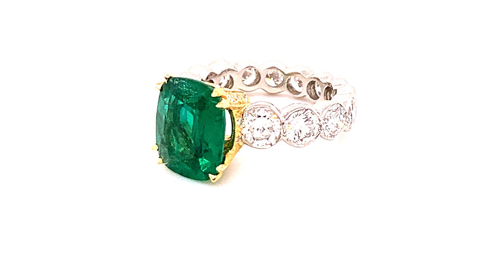 Lady's Platinum Natural Emerald & Diamond Ring