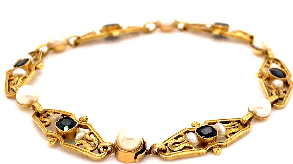 18K Yellow Gold Sapphire and Pearl Bracelet