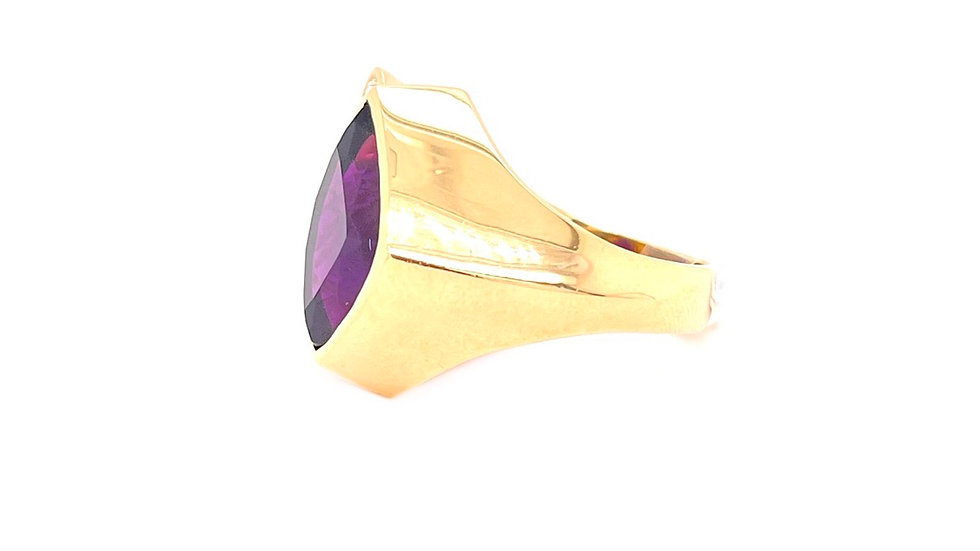 14K Yellow Gold Amethyst and Diamond Ring!