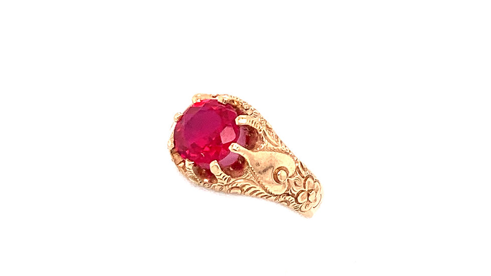 10k Victorian Red Stone Hand Engraved Ring