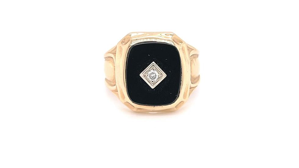 14K Yellow Gold Onyx and Diamond Ring