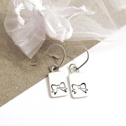 Bow hook earrings