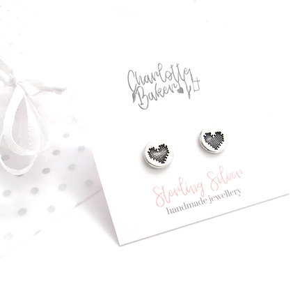 Patch heart circle studs