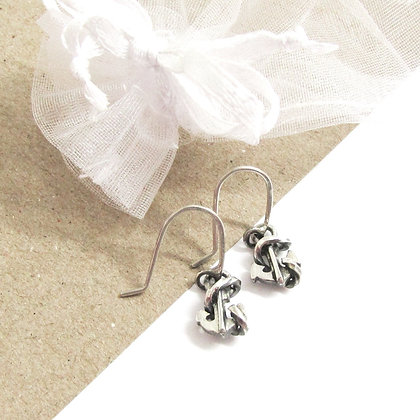 Anchor hook earrings