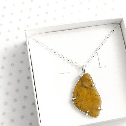 Mustard heart gemstone necklace