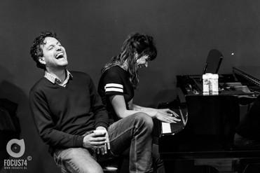 Piano spelen backstage