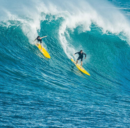 Party Wave at Waimea
