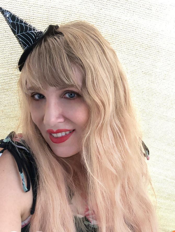 Halloween Patron Raffle / Witch Calendars / Doll / Art / Taschen / Merm Deck coupon!