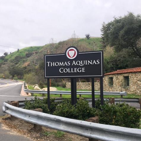 Thomas Acquinas College