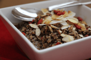 Healthy breakfast recipes: Goji coconut quinoa bowl