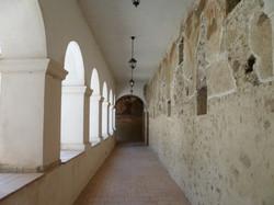 Chiostro affrescato del convento