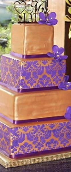 pur lily wedd cake.jpg