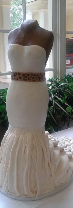 Ashbury's Bridal cake3.jpg