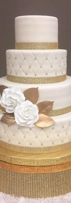 chee chee wedd cake.jpg
